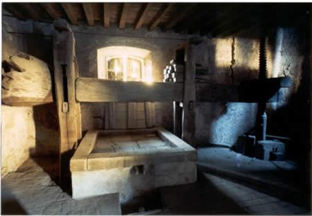 Il torchio antico nell'azienda i Perinelli - Val Nure